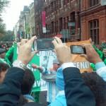 Los irlandeses aman a Diego y  lo manifestaron con una bandera.