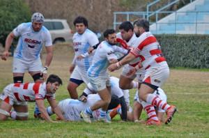 Nada fácil. Sobre la hora, Gimnasia y Tiro logró el try que le dio la victoria (Foto: Horacio Cortés)