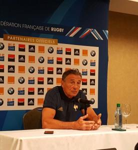 Guy Noves bromeó sobre cómo contrarretar el juego argentino. Pero seguro algo tiene guardado.