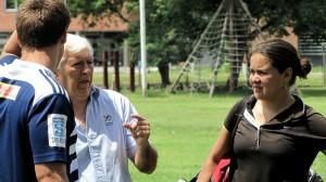 Chari Fornaciari habla y Priscilla Alvarez asiente.