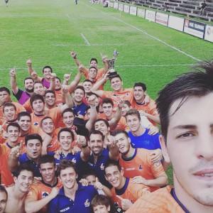La selfie de los campeones. Ahora es la foto de portada de Rugby Tucumano fan page. (Foto tomada del face)