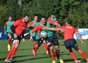 Pablo Matera en un pasaje del entrenamiento (Foto: UAR)