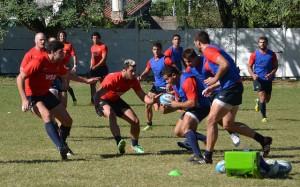 El hoocker de Universitario Santiago Iglesias en pleno entrenamiento (Foto: UAR)