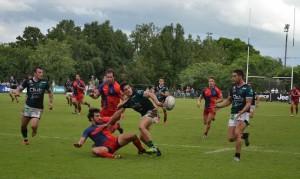Tucumán Rugby apostó a su backs para sacar ventajas. Foto: F. Espósito.