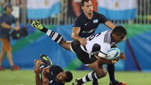 Imparables. Los fijianos doblegaron a los argentinos en los últimos minutos.