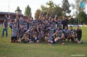 El equipo marplatense feliz por el título (Foto: gentileza Norte Rugby)